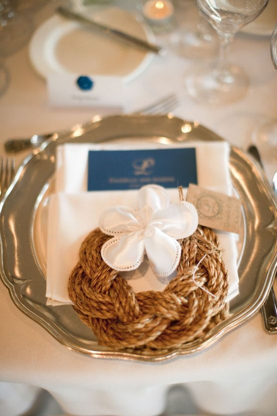 Braided rope place setting decor
