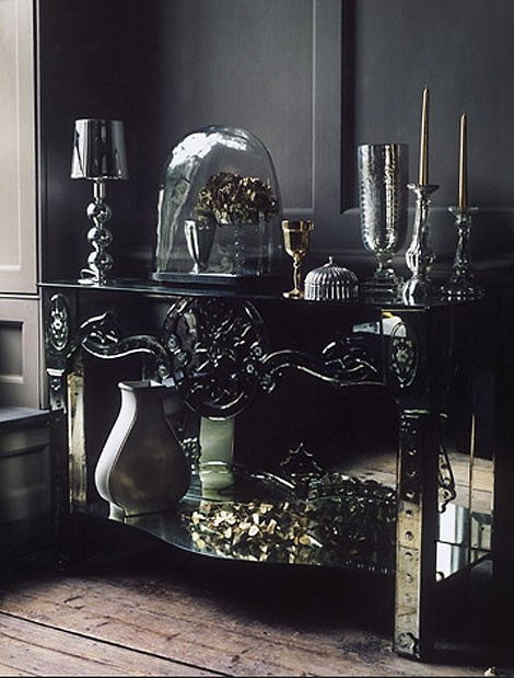 I want a romantic/gothic house. I'm a drama queen