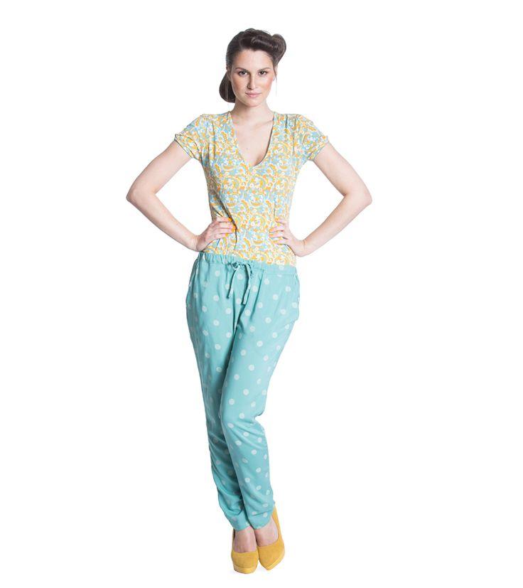 careless lightweight pants - 39,95 http://shop.blutsgeschwister.de/AUSWAHL/LASS-DICH-INSPIRIEREN/Contemporary-Heatwave/careless-lightweight-pants-oxid-10.html