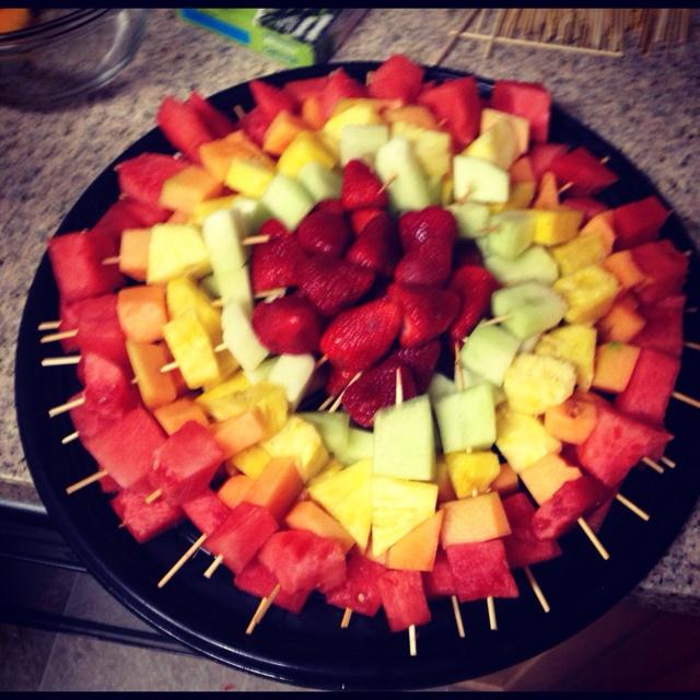 fruit kabob platter fun fruitfruit ideasfresh fruitgrooms tablefruit