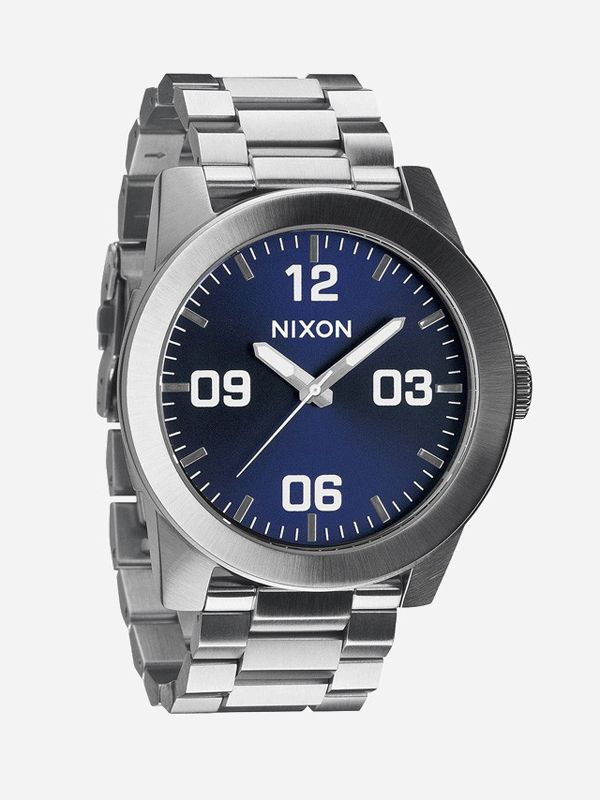 A timepiece with one prominent design philosophy; rugged style. A no nonsense design incorporating a stainless steel body and band, and simple watch face, the Corporal SS is a tough and stylish watch. Designed by Nixon. http://zocko.it/LDsxY