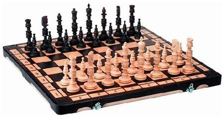 Arsstar Шахматы 'галант' (польша, дерево, 58х29х7см)  — 6990 руб.  —  Техническая информация: Характеристики : • Дерево, выжег • Полиграфическая упаковка •  Представляем вашему вниманию шахматы «Галант». Это элегантный набор, который поможет вам скрасить обыденные вечера, скоротать время в пути или с пользой для дела провести обеденный перерыв на работе.  Игровое поле, размером 58х58 см, изготовлено из качественной древесины с использованием технологии выжега. В закрыто виде игровое поле…