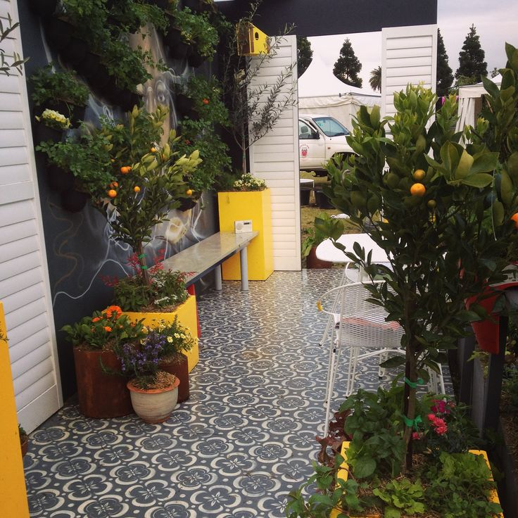 The Edible Garden packed so much inspiration in  its beautiful balcony at the Australian Garden Show 2014. Stenciled Porter's Paints Perfect Floor Paint was vibrant and textural!   Image credit and copyright: Indira Naidoo