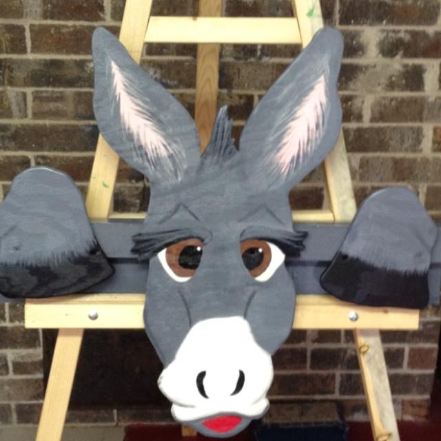 Donkey Fence Peeker