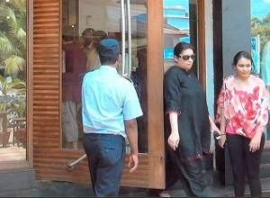 Smriti Irani filmed trying on clothes in Goa, 4 held
