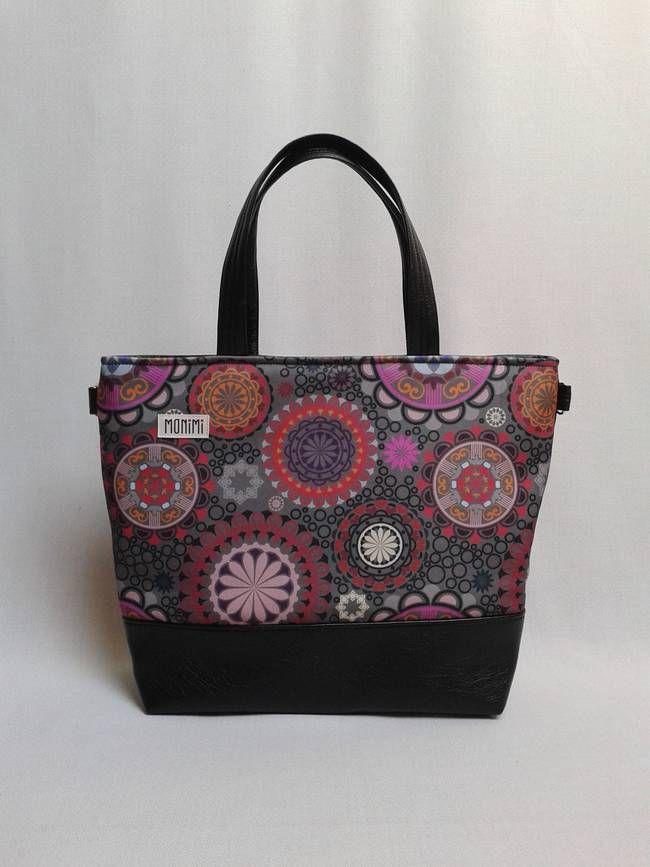 Saját tervezésű gyöngyvászonra nyomott, #mandala mintával készült ez a táska. Base-bag 12 női #táska
