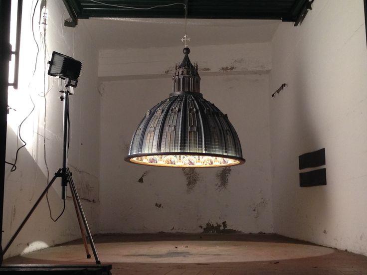 """""""CUPOLA, E LUCE FU"""". LA LAMPADA-SCULTURA COME IL CUPOLONE DI SAN PIETRO http://designstreet.it/cupola-e-luce-fu-quando-la-luce-scende-dal-cielo/ #designstreetblog"""