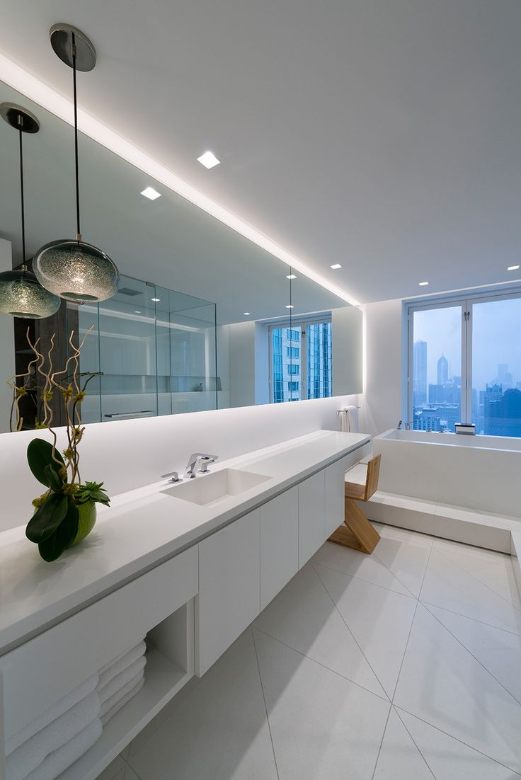 Best 25 modern bathroom mirrors ideas on pinterest for Bathroom strip light
