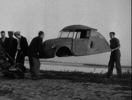 Hand-made car. Warsaw/1949 [video] (Repozytorium Cyfrowe Filmoteki Narodowej) #car #warsaw #retro #handmade