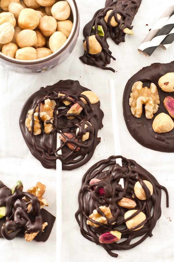 Piruletas de chocolate fáciles, algunas de estas, de cambiarlas un poquito puedenser fácilmente gluten free!