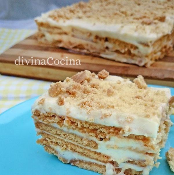 Esta tarta de galletas y limón es una versión de la tarta de galletas tradicional. La crema de limón es fácil y puedes cortar en bocaditos para servir.