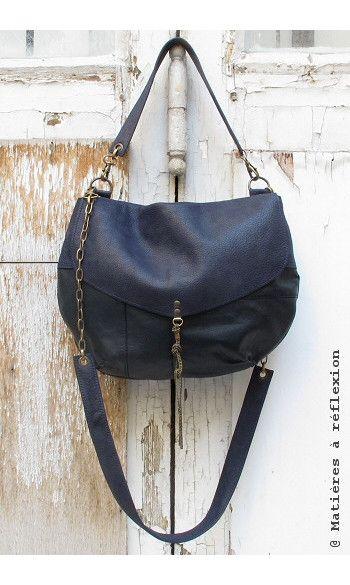 Sac Moon en cuir vintage bleu marine #upcycled #leather #bag #besace #cuir