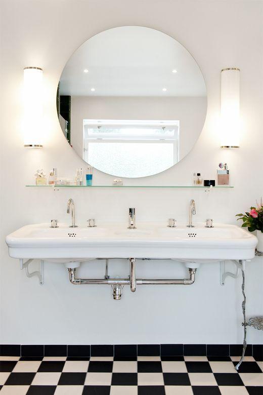 "Bathroom in swedish funcionalist style, ""funkis""."
