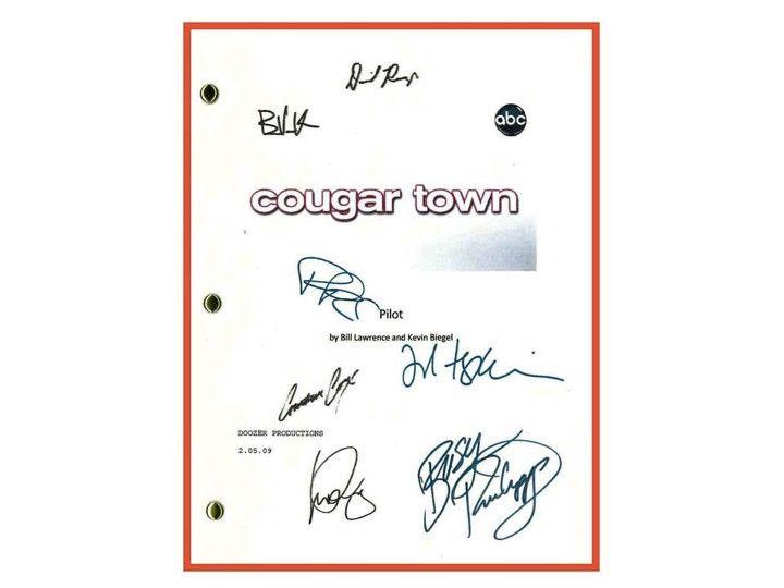 Cougar Town Pilot Episode TV Script Autographed: Courteney Cox, Dan Byrd, Ian Gomez, Josh Hopkins, Busy Philipps, Brian Van Holt
