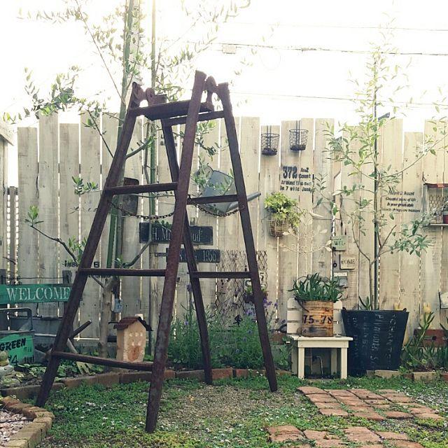 """「こんなお庭にしてみたい」「こんなお部屋で過ごしたい」と、みんながあこがれるような""""男前""""な空間を見つけました。まるで海外の農場の片隅のようなお庭、みんなでワイワイ会話の弾むお庭、ホッと一息つける部屋など、全部真似をするのは難しいけれど、みなさんの空間を参考に自分の男前空間を作ってみませんか?"""