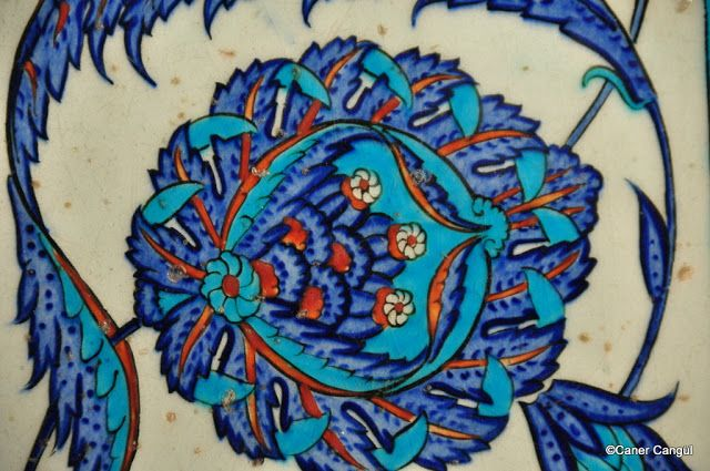 burada istanbul var: Rüstem Paşa Camii Çinileri