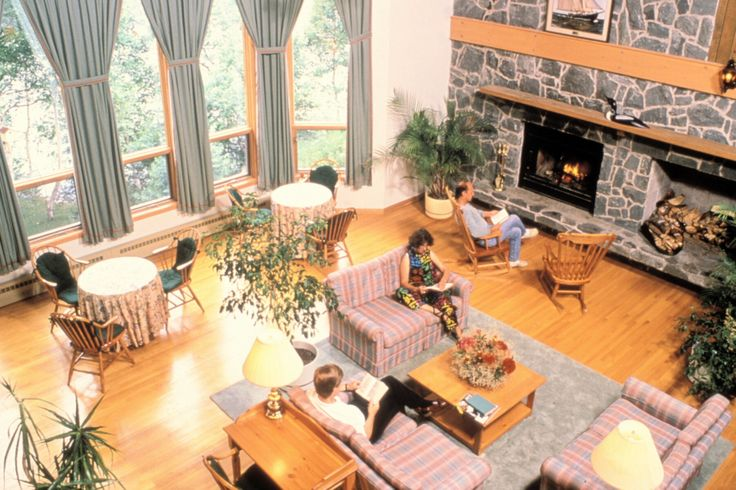 Beautiful, cozy Liscombe Lodge in Nova Scotia