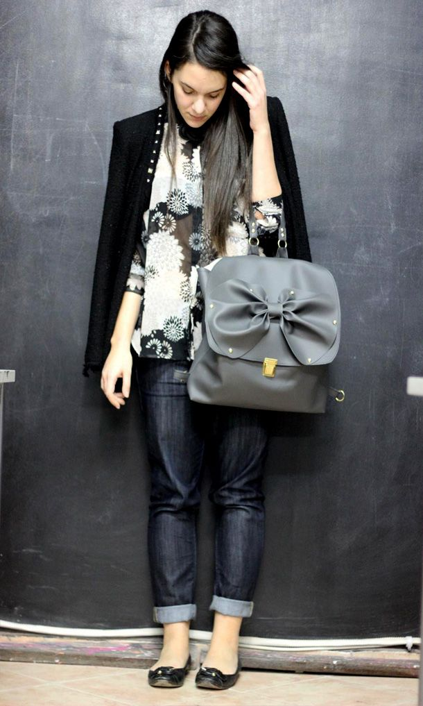 big bow bag and floral shirt