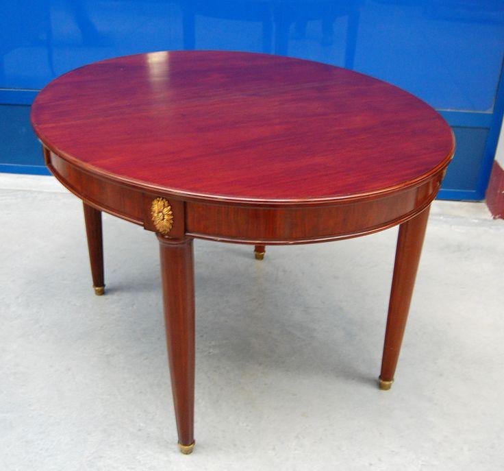 Tavolo ovale in mogano allungabile stile Luigi XVI