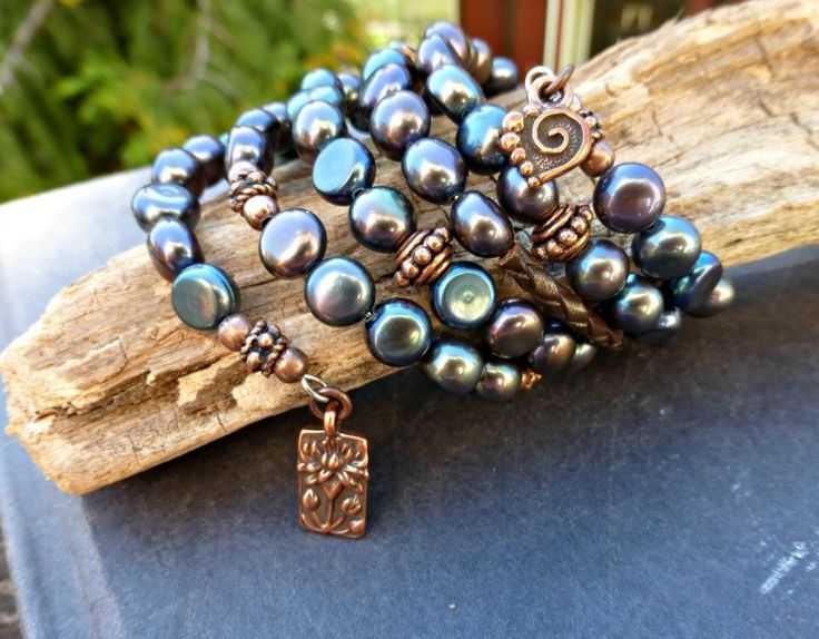 Purple & black blend pearl and copper metal wrap around memory wire bracelet