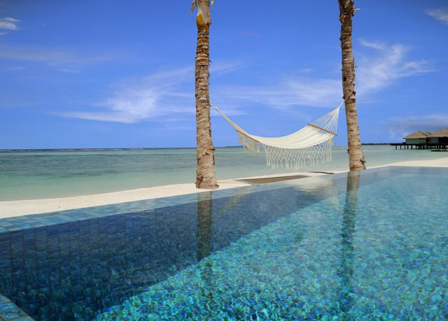 5* Maldives water villa holiday | Save up to 70% on luxury travel | Secret Escapes