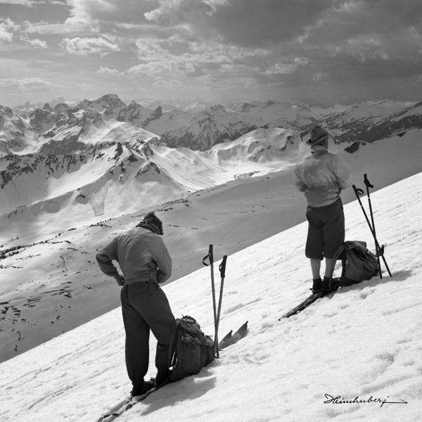 Machen Sie die Skitour im Walsertal mit atemberaubenden Blick über die Berge…