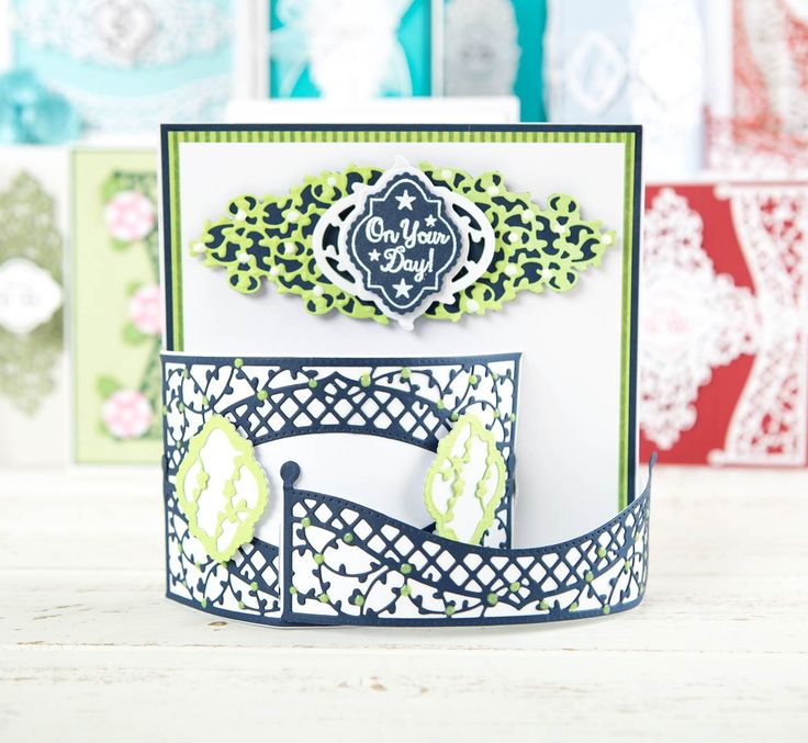 Good use of the trellis die from the @tonicstudiosuk Mini Decorative Die Collection. Click 'Visit Site' above to shop now. / cardmaking / papercraft / scrapbooking