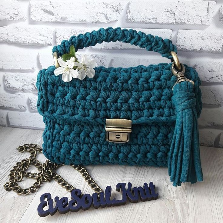 Сумки, рюкзаки t-short yarn в Instagram: «☄☄☄ в наличии☄☄☄ Сумочка цвета морской волны с фурнитурой в цвете антик. Цена: 650грн.»
