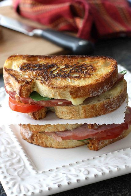 Grilled Cheese Sandwich w/ Jarlsberg Fondue, Ham & Tomato