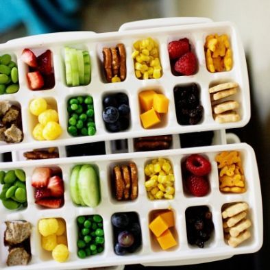 Toddler snacks - ice cube tray !  Nice ideas to have healthy snacks and small portions  #WOWfoodanddrink