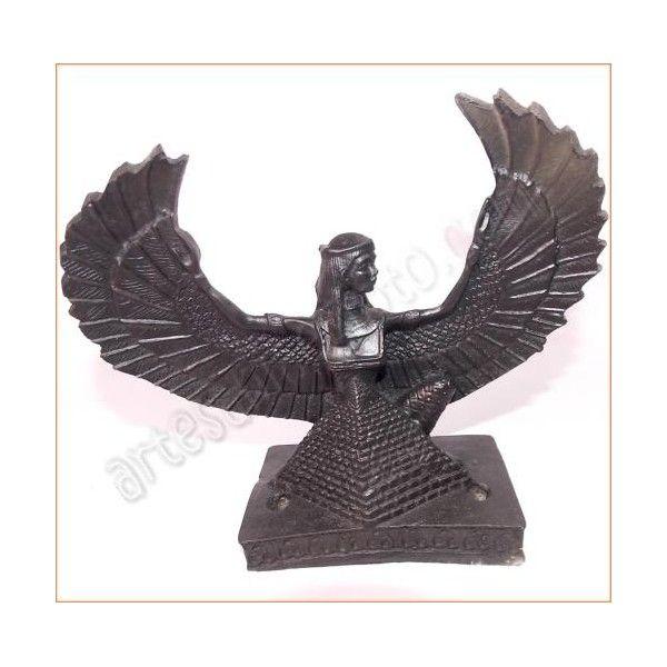 """Figura de artesanía egipcia de la diosa Isis, esposa de Osiris y madre de Horus. Fue llamada en el Egipto Antiguo """"gran diosa madre, fuerza fecundadora de la naturaleza"""". La base y el busto están tallados en resina sólida, mezclada con piedra. Realizada artesanalmente y cuidadosamente detallada por los artesanos egipcios. Medidas: base: 15cm X 9cm. Altura 18cm. www.artesaniaegipto.com"""