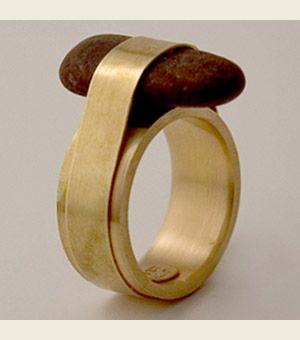 Ana Albuquerque ring