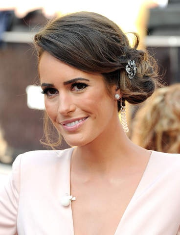Louise Roe with Side Bun 2012 Oscars