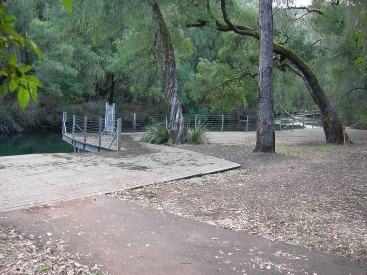 <div><p>Honeymoon Pool campground, on the banks of the Collie River, has 20 individual campgrounds for tents and small campervans only. Four sites are suitable for a single <a href...