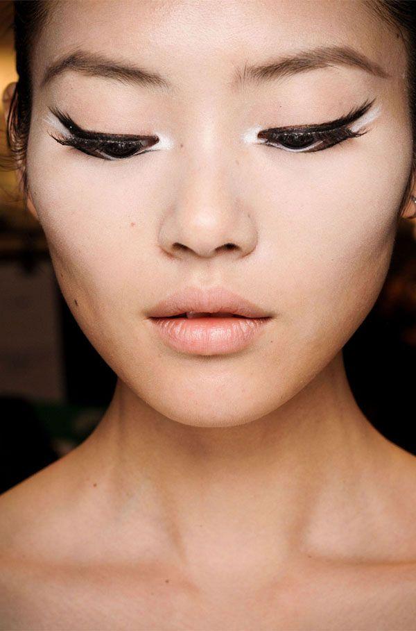 Monochrome make up