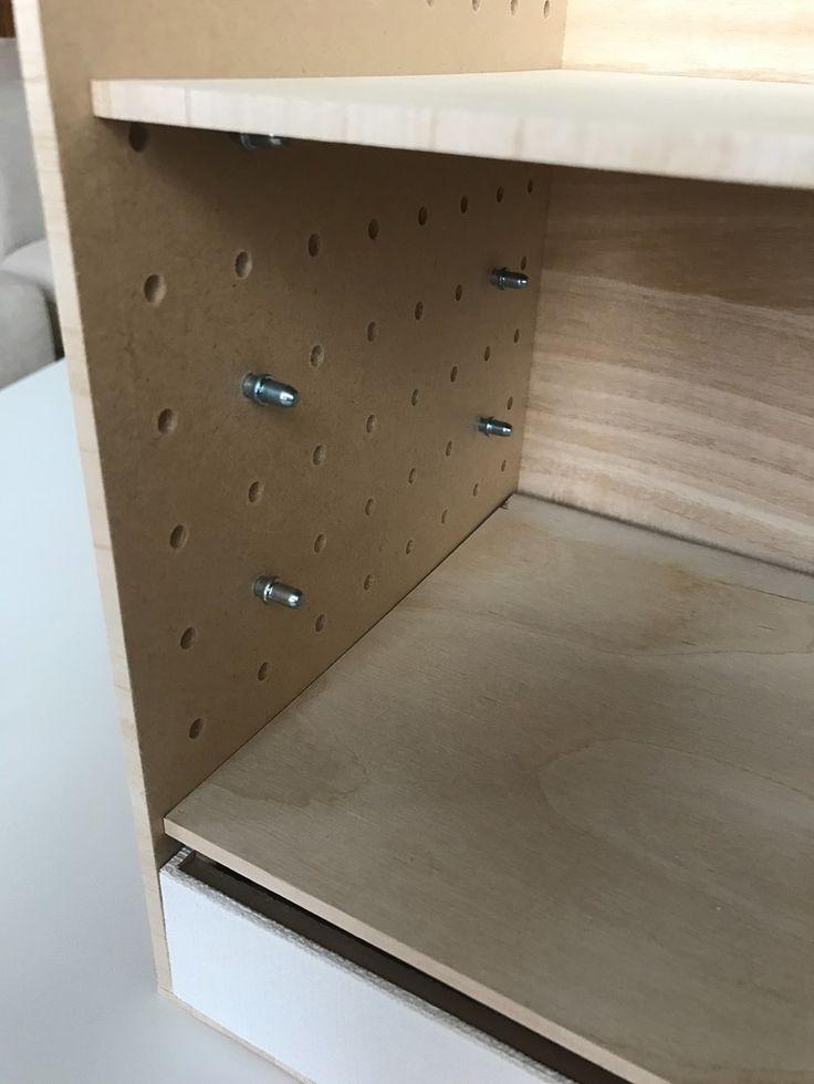 段を変える金具は不要!パンチングボードの穴を活用して自由に段を変えれます☺︎