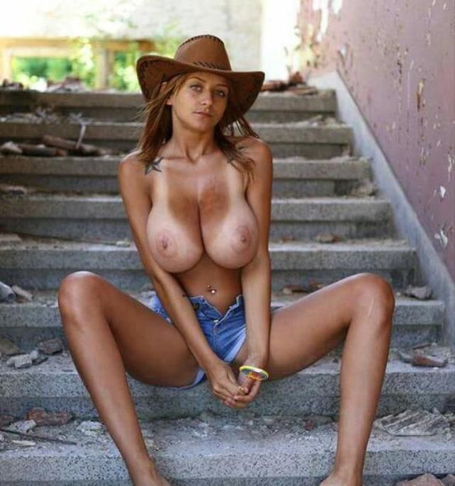 Country nude hot girls