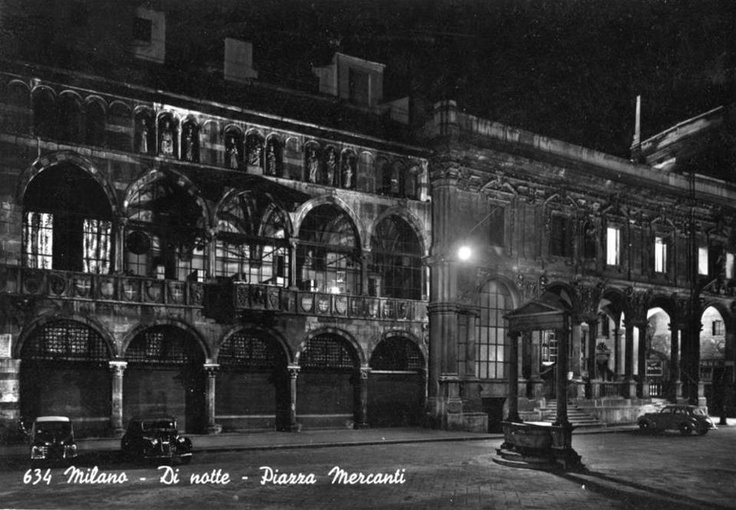 Piazza Mercanti - Merchants Square