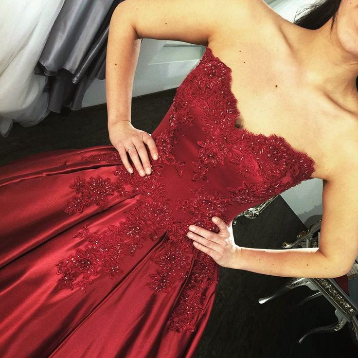 Lace Appliques Long Satin Burgundy Wedding Dresses Ball Gowns
