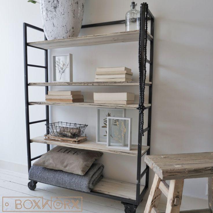 25 beste idee n over verweerd hout op pinterest verstoren van hout brocant hout en hout - Eigentijds trap beton ...