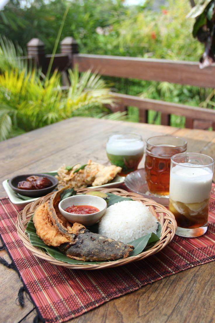 """Paket Lemu At """"Waroeng Dhahar Pulosegaran"""" Tembi Rumah Budaya"""