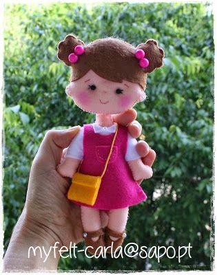 Muñeca con vestido rosa