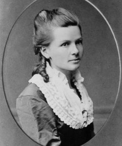 Did you know -- Bertha Benz was the first person to make a long-distance drive in an automobile!
