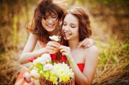 Подставляйте солнышку ладошки, собирайте лучики в карман, а затем, с любовью, понемножку, раздавайте близким и друзьям!