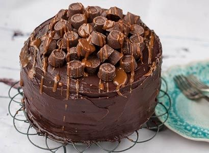 Rolo Candy Cake