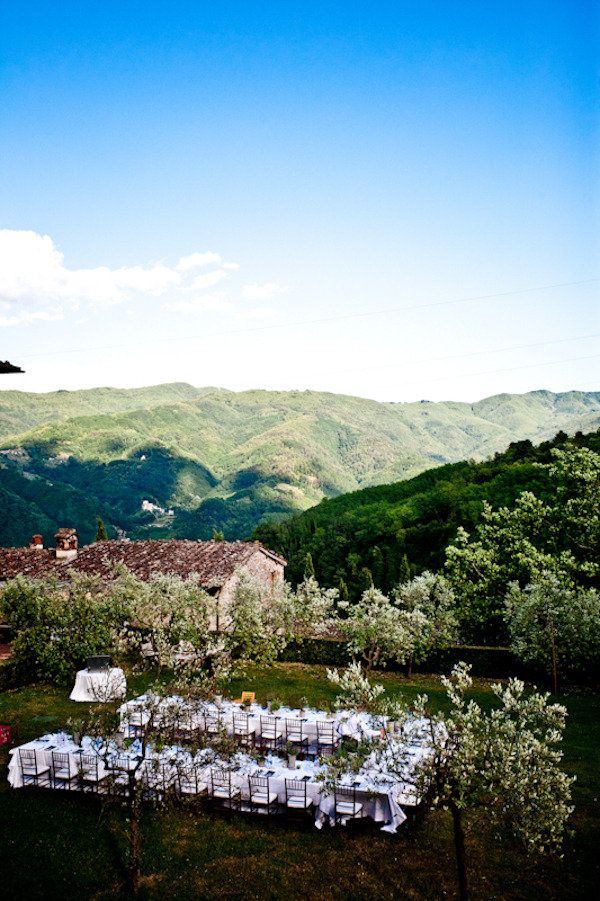 gorgeous destination wedding at Villa Catureglio in Italy -- yes please!!