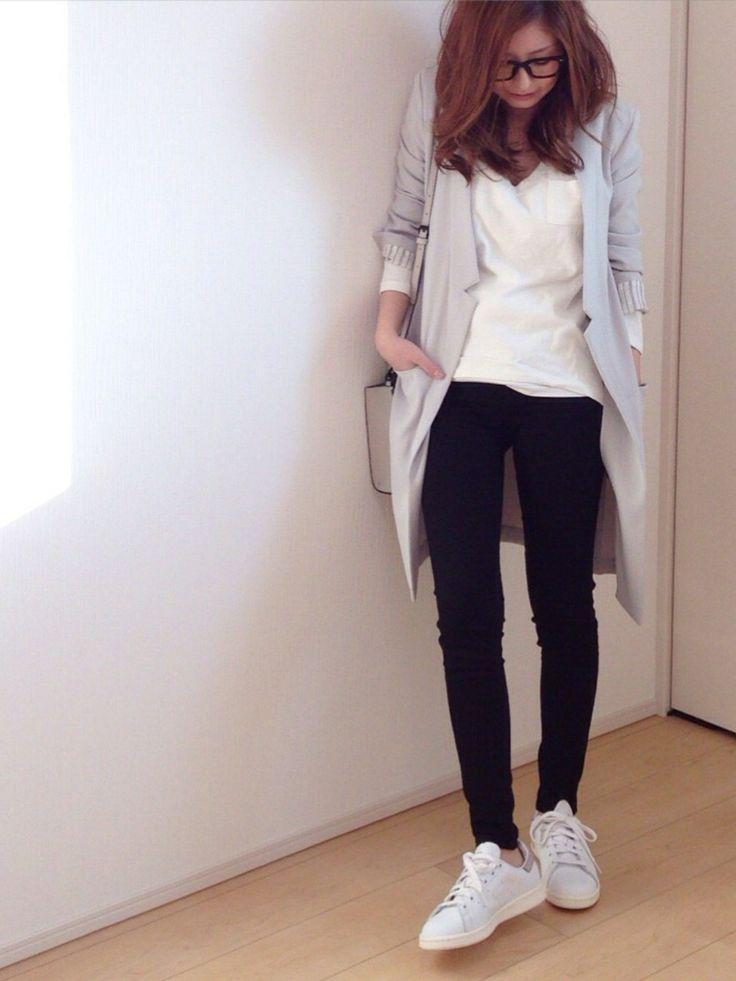 mayumiさんのTシャツ/カットソー「adidas 【adicolor】オリジナルス ロゴTシャツ [ORIG TREFOIL TEE]」を使ったコーディネート