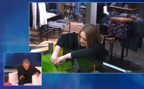 Adele and Ellen DeGeneres prank a Jamba Juice | EW.com