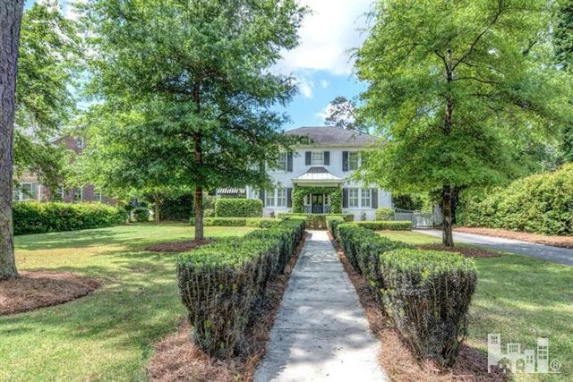 meet mandeville singles Single-family home has 2 beds, 2 baths, 1,105 sqft and is pet friendly emerald pines is in zip code 70448 which is located in mandeville, la.