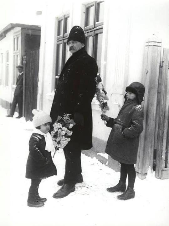 Bucureşti Cu sorcova, anii 30 foto: Nicolae Ionescu